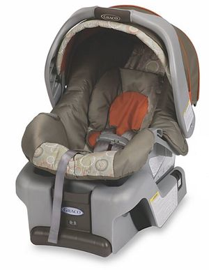 GracoSnugRide Classic Connect 30 Infant Car Seat in Forecaster for Sale in Houston, TX