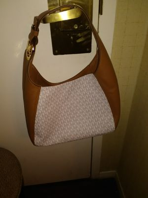 Micheal Kors purse authentic brand new for Sale in Fresno, CA