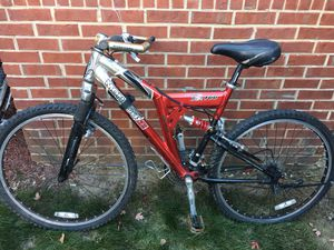 2 bikes for sale! Mongoose BMX and a Trek bicycle for Sale in Chicago, IL
