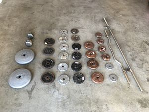 $1 a pound - 205 lbs in weights and curl bar/straight bar for Sale in Avondale, AZ