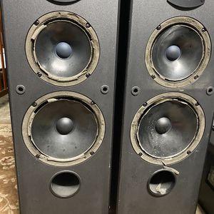 JBL Speaker Work Great But Around Is Open for Sale in Carrollton, TX