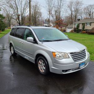 2010 Chrysler Town & Country Touring Plus Minivan 4D for Sale in Wallingford, CT