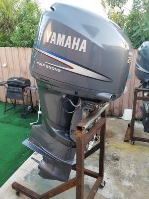 Yamaha 225 hp 4 strok for Sale in Miami, FL