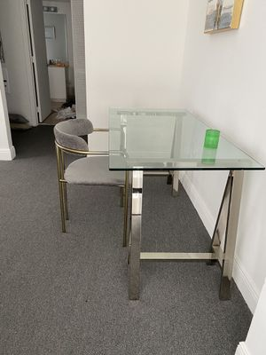 West elm Desk with chairs for Sale in Miami, FL