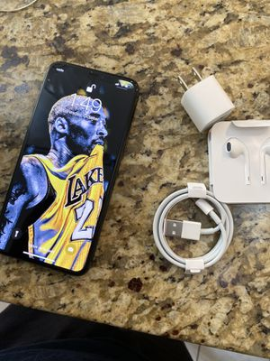 iPhone 11 Max pro unlocked for Sale in Long Beach, CA