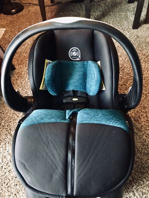 Evenflo Embrace Car Seat/ Expires 9/14/2023 for Sale in St. Charles, IL