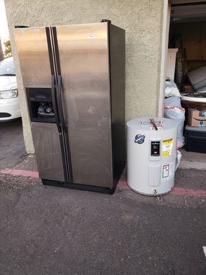 Free whirpool gold fridge and water heater for Sale in Phoenix, AZ