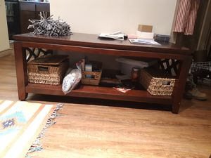 WONDERFUL Coffee Table Set! 1 center and 2 side tables! for Sale in San Angelo, TX