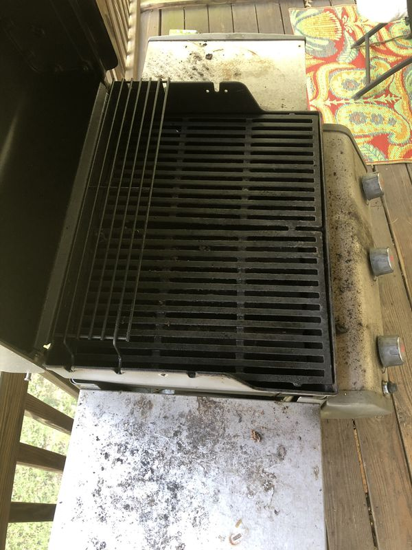 Weber grill, very dirty but works fine