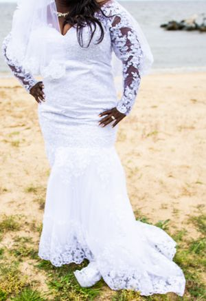 Wedding Dress Size 18 for Sale in Odenton, MD