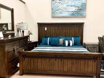 Lakeleigh Brown Panel Bedroom Set (Queen and King Bed Frame for Sale in Austin,  TX