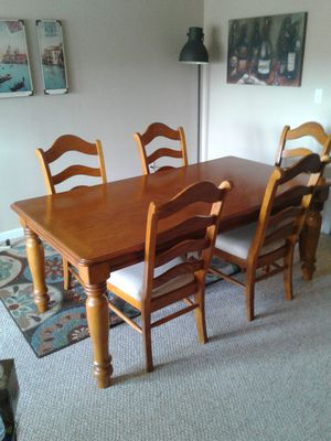 Dining Table with 6 Chairs for Sale in Rocky Mount, VA
