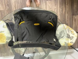 New Keen Messenger Bag for Sale in Las Vegas, NV