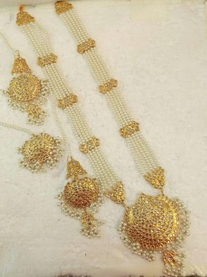 Gorgeous mala set gold plated for Sale in Kirkland, WA
