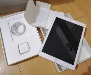 Apple iPad 32 GB for Sale in Santa Monica, CA