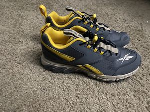Reebok Grey & Yellow DMXpert Sneakers for Sale in Silver Spring, MD