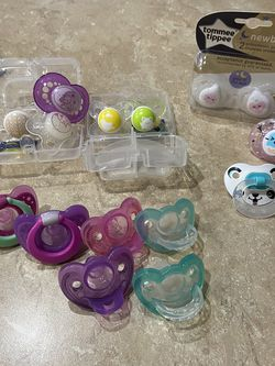 Pacifiers (Free) for Sale in Vancouver,  WA