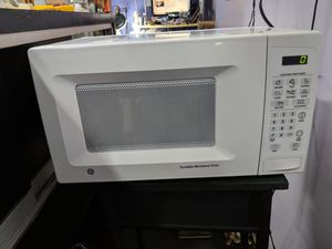 GE Microwave with Turntable for Sale in Holiday, FL