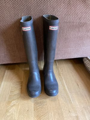 Hunter Brown Tall Rubber Rain Boots - Women's Sz 9 for Sale in Mountlake Terrace, WA