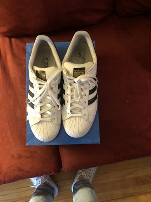 Adidas Superstar Sneakers Size 10 1/2 for Sale in Detroit, MI