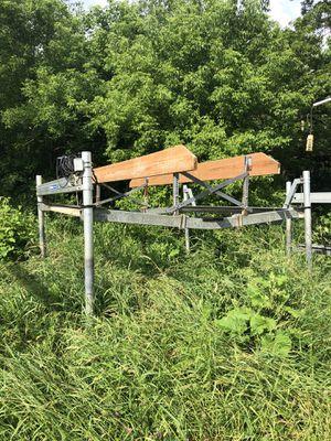 Shore station pontoon lift. for Sale in Lovettsville, VA