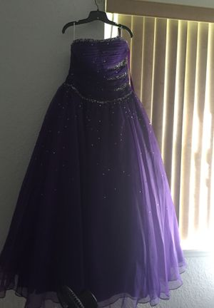 15 dress for Sale in Haines City, FL