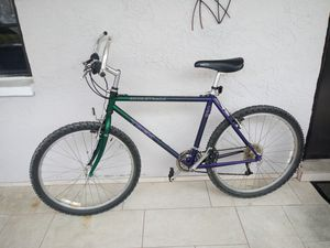 Trek 930 mountain bike, 21 speed for Sale in St. Petersburg, FL