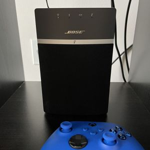 Bose SoundTouch 10 Wireless Speaker One For $150 Or Two For $250 for Sale in Phoenixville, PA