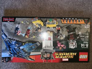 LEGO marvel super hero's captain America civil war airport takedown (no minifigures) for Sale in Palm Beach Gardens, FL
