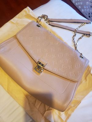 Louis Vuitton st Germain mm bag. No longer sold in US for Sale in San Leandro, CA