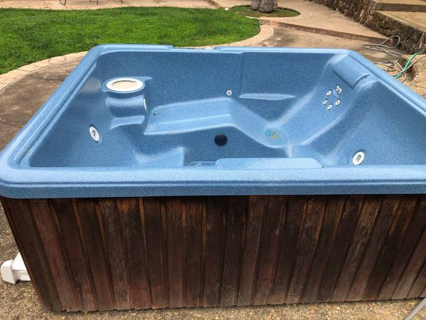 Hot Tub!! Good working condition!! 110v