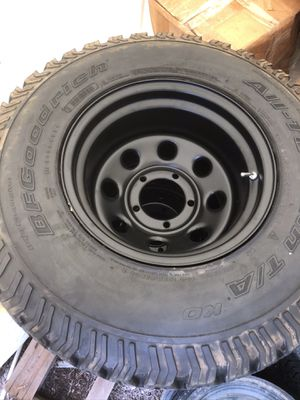 """BFG All Terrain AT Baja Champions set of 4 tires 32"""" x 15"""" with 5 brand new Pro comp black rims for Sale in Vista, CA"""