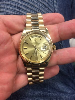 Rolex Presidential Day Date 36mm solid gold Champagne face gold fluted bezel mint condition for Sale in Orlando, FL