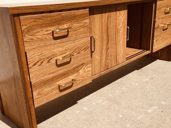 """Office side cabinet,it is in good condition,size:length 72""""high 29""""depth 19"""" for Sale in Huntington Beach,  CA"""