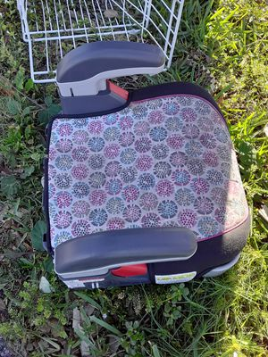 Used booster seat 25 obo 20 lowestill go for Sale in Wellington, FL