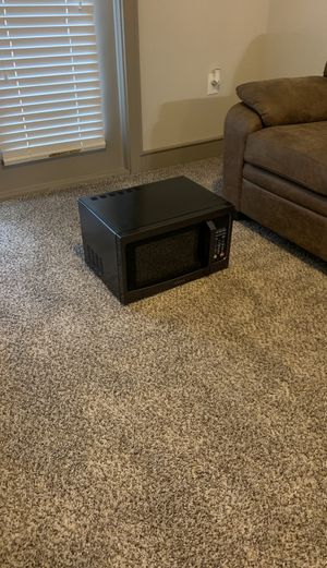 Toshiba microwave for Sale in Raleigh, NC