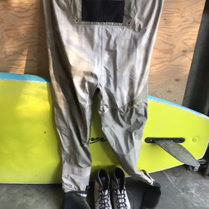 Men's Size L Waders for Sale in Seattle, WA