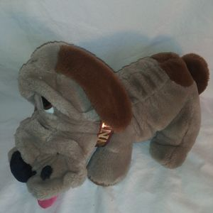 Kennel Club Vintage 1986 Animal Playthings Gray Brown Basset Hound Plush Dog for Sale in Dewey, AZ