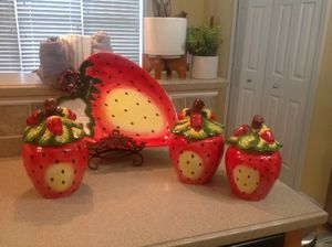 Beautiful strawberry jars / canisters and Serving Plate for Sale in Atlanta, GA