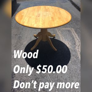 "Pine Wood Dinning Table - Terrace Patio Table A Kitchen Table - Round wood table 42""x30""Tall - Dinning Table Great for a small apartment etc - Super for Sale in San Antonio, TX"