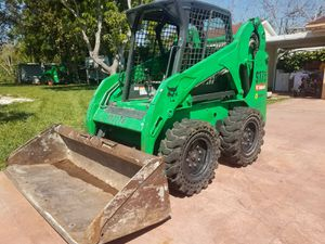 2012 Bobcat S175 Skid Steer Loader Diesel, Excellent Conditions for Sale in Miami, FL