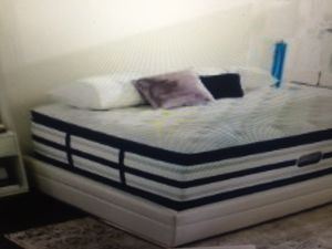 King Simmons beauty rest pillow top mattress and box springs that. $350. New Fourth of July deal for Sale in Kansas City, MO