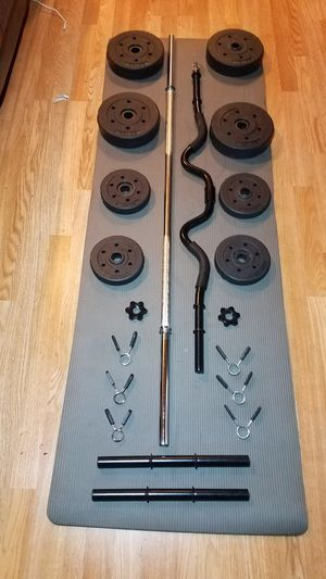 "1x 5 foot standard 1"" barbell 1x curl barbell 2x adjustable dumbbell handles and 40lbs weight set for Sale in Montebello, CA"