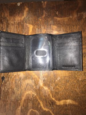tri fold leather wallet for Sale in South Windsor, CT