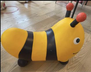 Inflatable Bee Bouncer for Sale in Gaithersburg,  MD