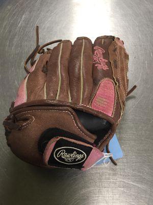 Rawlings Softball Glove for Sale in Matawan, NJ