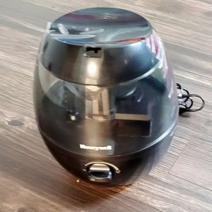 Honeywell Cold Mist Humidifier for Sale in Glastonbury, CT