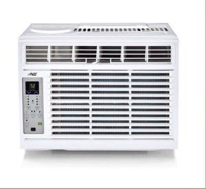 Window Air Conditioner 8,000 BTU Digital with Installation Kit Aire Acondicionado de Ventana con Set de Instalación for Sale in Miami, FL
