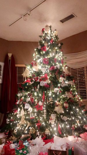 9foot artificial Christmas tree for Sale in Buena Park, CA