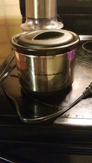Small crock pot for Sale in Gulfport, MS